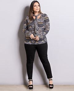Blusa Cashmere com Gola e Calça Skinny Preta Plus Size