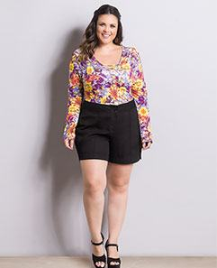 Body Floral e Short Preto Plus Size