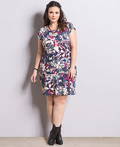Vestido Floral e Geométrico Plus Size