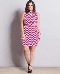 Vestido Geométrico com Gola Plus Size