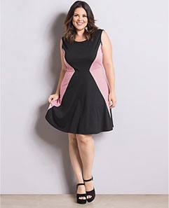 Vestido Preto e Rosê Plus Size