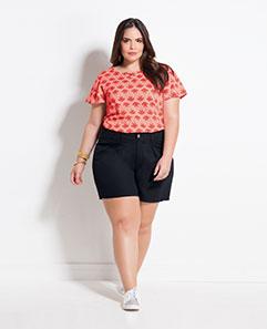 Blusa Estampa Coqueiros e Short Social Preto Plus Size