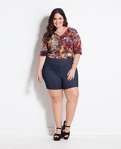 Blusa Estampa Étnica e Shorts Azul Plus Size