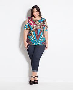 Blusa Estampada e Calça Cropped Plus Size