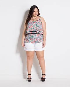 Blusa Floral com Babado e Short Branco Plus Size