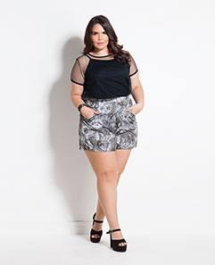 Blusa Preta com Tule e Shorts Estampado com Bolso Plus Size