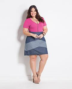 Body Rosa e Saia Jeans Recortes Plus Size