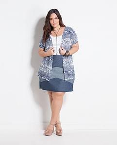 Kimono Étnico e Regata Branca e  Saia Jeans Recortes Plus Size