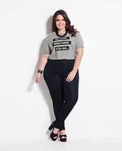 T-shirt Mescla e Calça Jegging Preta Plus Size