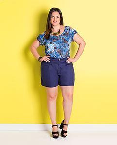 Blusa Geométrica Ombros Vazados e Short Amplo Marinho Plus Size