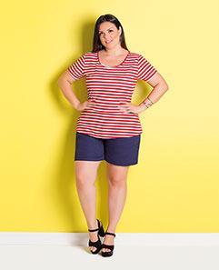 Blusa Peplum Listrada Vermelha e Short Amplo Marinho Plus Size