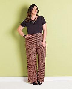 Cropped Preto e Calça Pantalona Plus Size