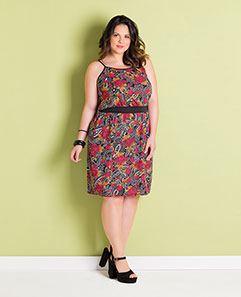 Vestido de Alças Floral Escuro Plus Size