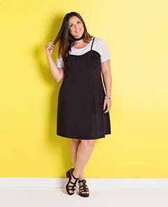 Vestido Sobreposição Preto e Branco Plus Size