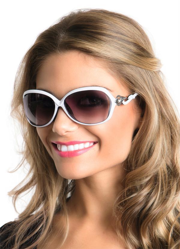 e0f78707b641c Óculos de Sol Feminino Branco - Moda Pop