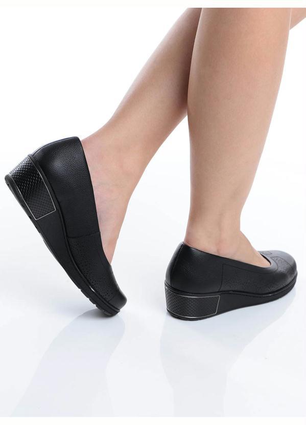 ab6843c32 Usaflex - Sapato Anabela Conforto Usaflex Preto - Passarela