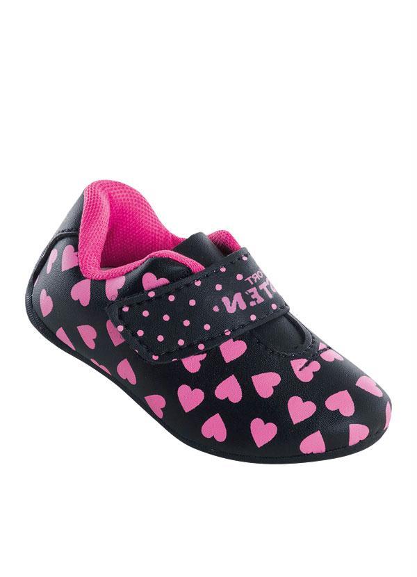 9070a8c3e5 Perfecta - Tênis Bebê com Estampa de Coração Preto e Rosa - Perfecta