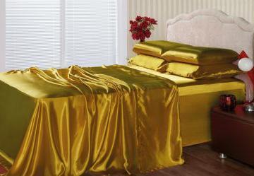 Jogo Casal 4 Peças em Cetim Dourado