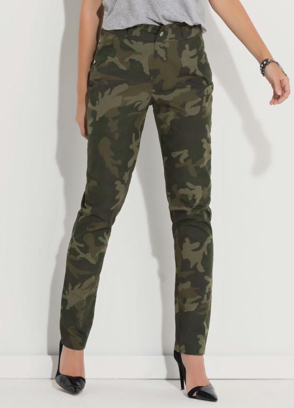 332585056 Quintess - Calça Quintess Verde Camuflada Estilo Militar - Quintess