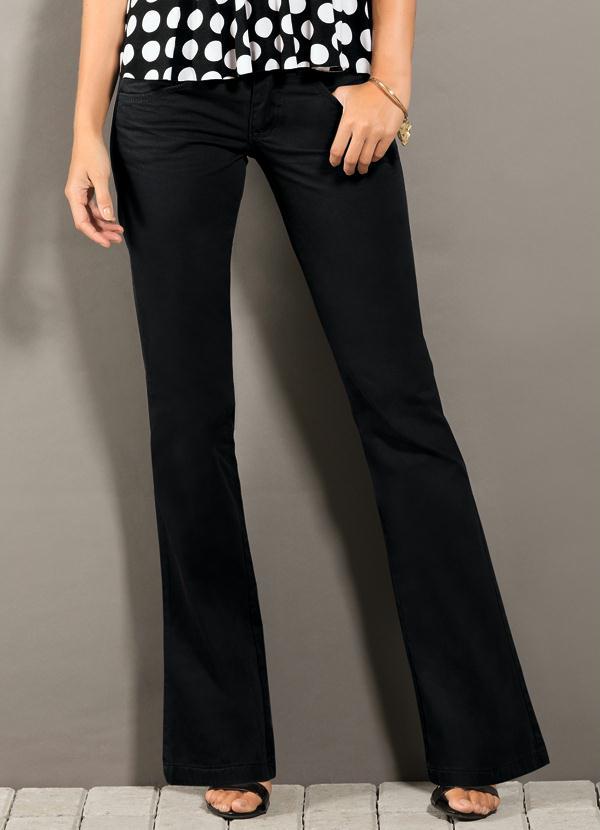 5d98f1901 Calça Flare Jeans Preta - Quintess