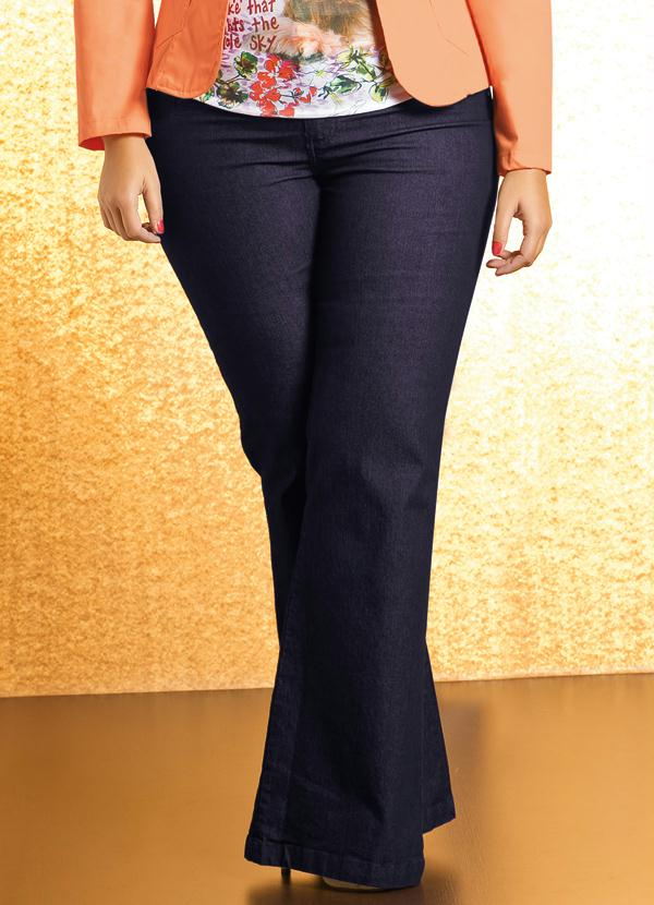 fb0c2a18a Quintess - Calça Flare Plus Size Jeans - Quintess