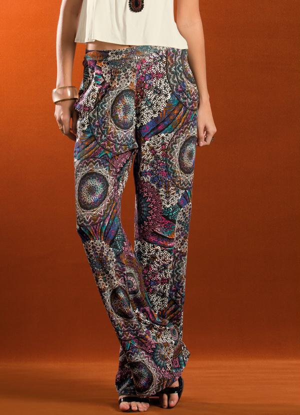 73f59b8482 Quintess - Calça Pantalona Estampa Étnica - Quintess