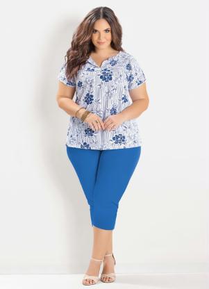 6f5a6deeb34b Marguerite - Blusa Estampada e Corsário Azul Plus Size