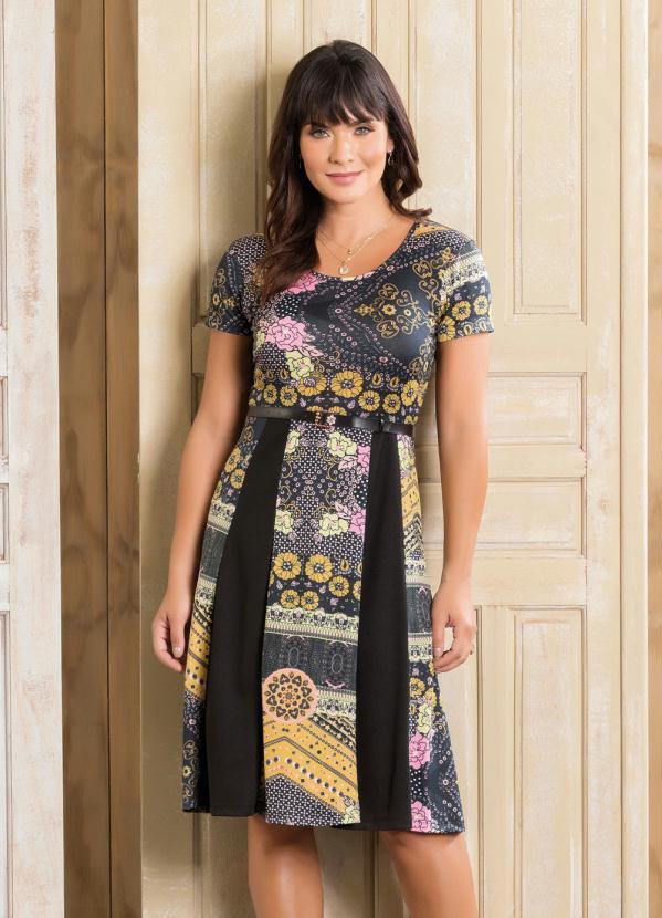 d50d8f3c26 Queima Estoque - Vestido Recortes Floral e Preto Moda Evangélica ...
