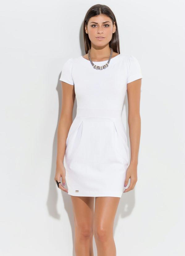 d88a669da1a4 Quintess - Vestido Curto com Detalhe de Pregas Branco - Quintess