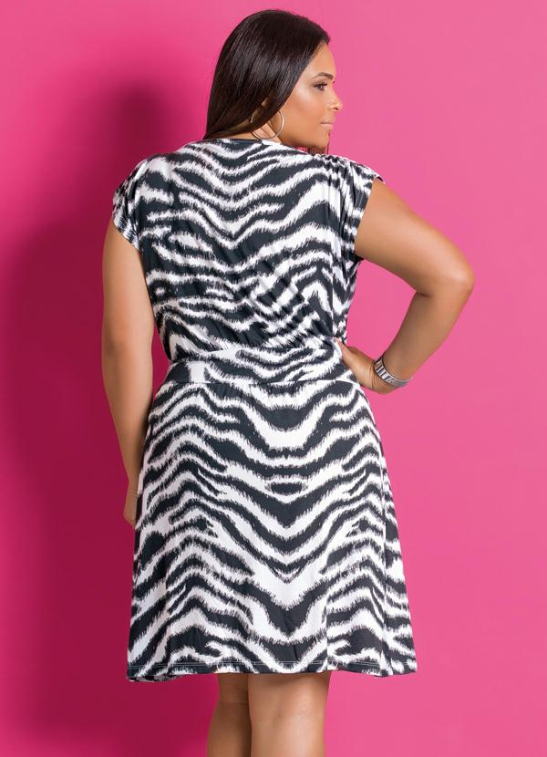 af04faf894 Marguerite - Vestido de Manga Curta Estampa Zebra Plus Size - Marguerite