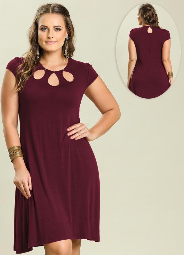 c028d2499 Quintess - Vestido Detalhe Gotas Bordô Plus Size - Quintess
