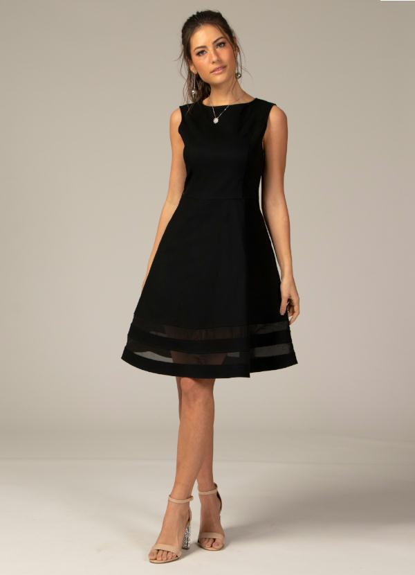 25f649539 Quintess - Vestido Evasê com Transparência Preto Plus Size - Quintess