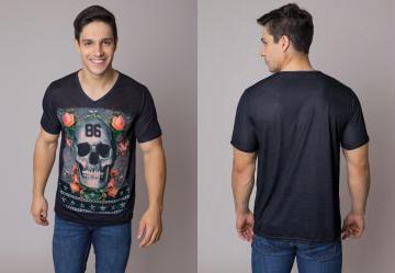 0.5318093299865723 Camiseta Preta com Estampa de Caveira 65876a98e2fe9