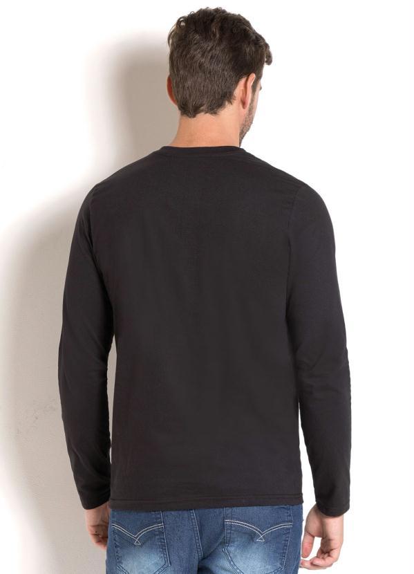 Queima de Estoque - Camiseta Manga Longa Preta com Estampa Escudo Fé ... 07b4a602dd198