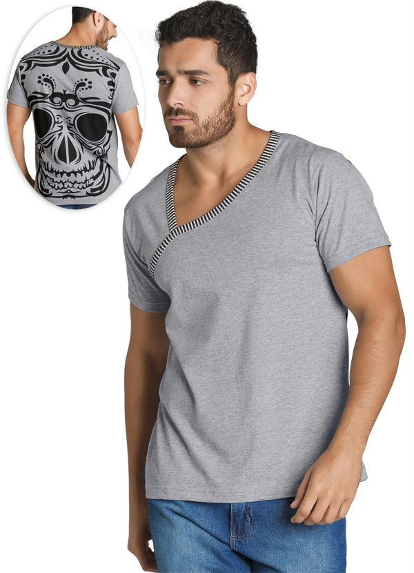 c54264208 Moda pop - Camiseta Masculina com Estampa nas Costas Cinza - Moda Pop