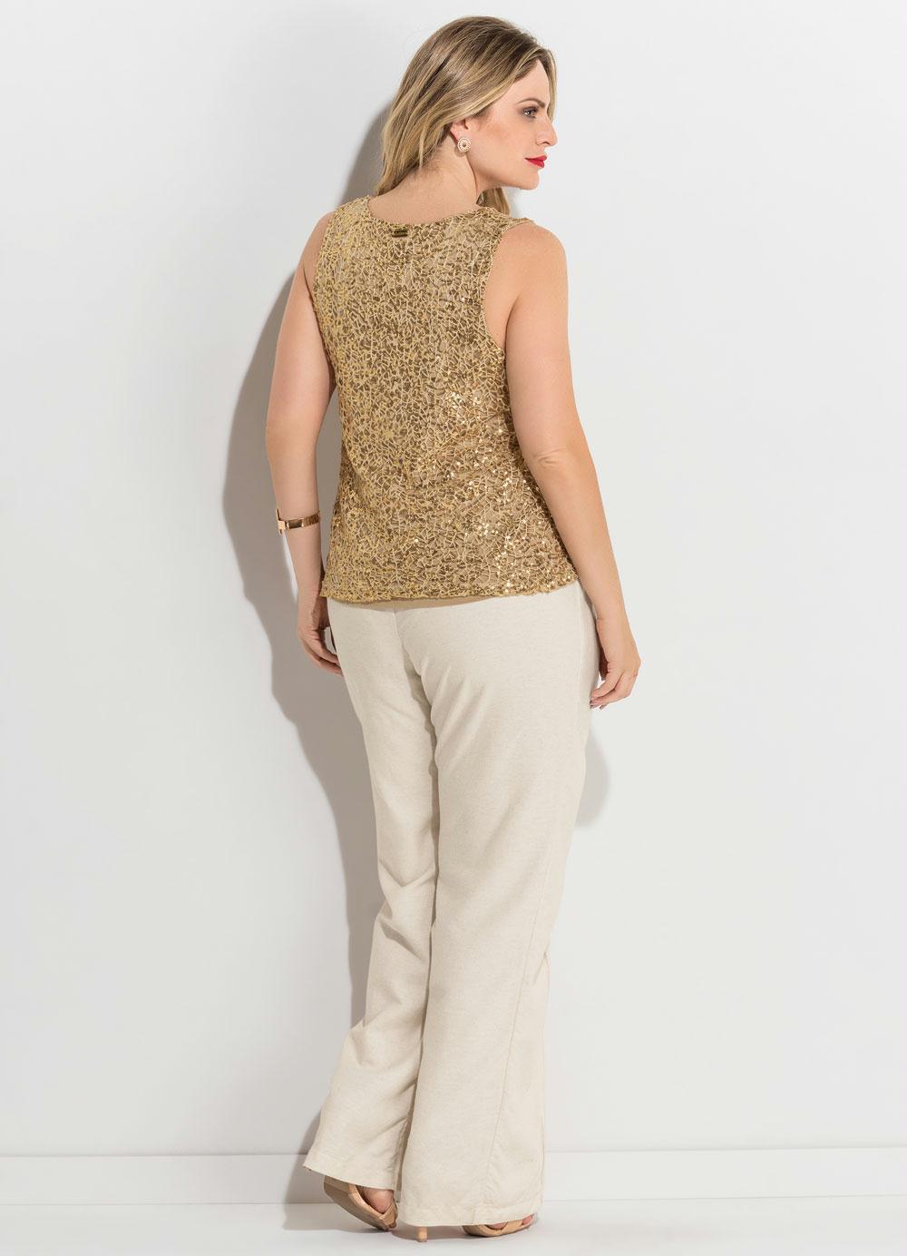 5500bf952c6c Blusa de Paetês Dourada Plus Size Quintess - Quintess