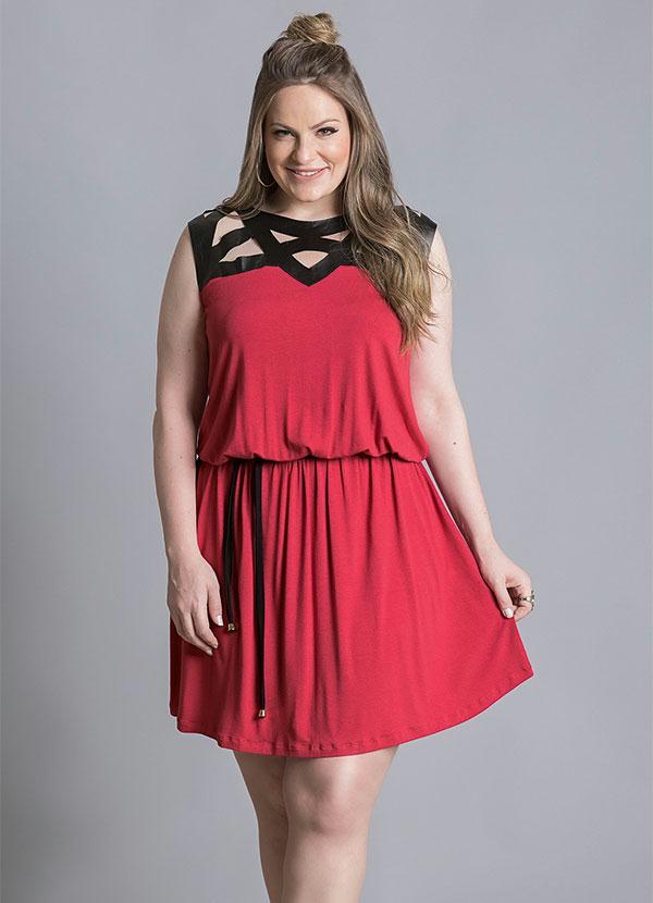 cbfd51476 Quintess - Vestido com Detalhe Vazado Vermelho Plus Size - Quintess