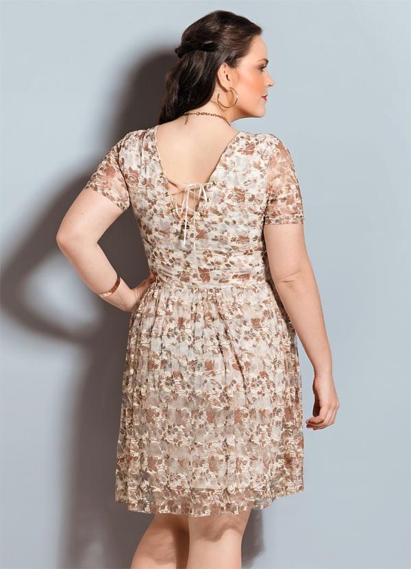 1c883b655 Quintess - Vestido de Renda Floral Quintess Plus Size - Quintess