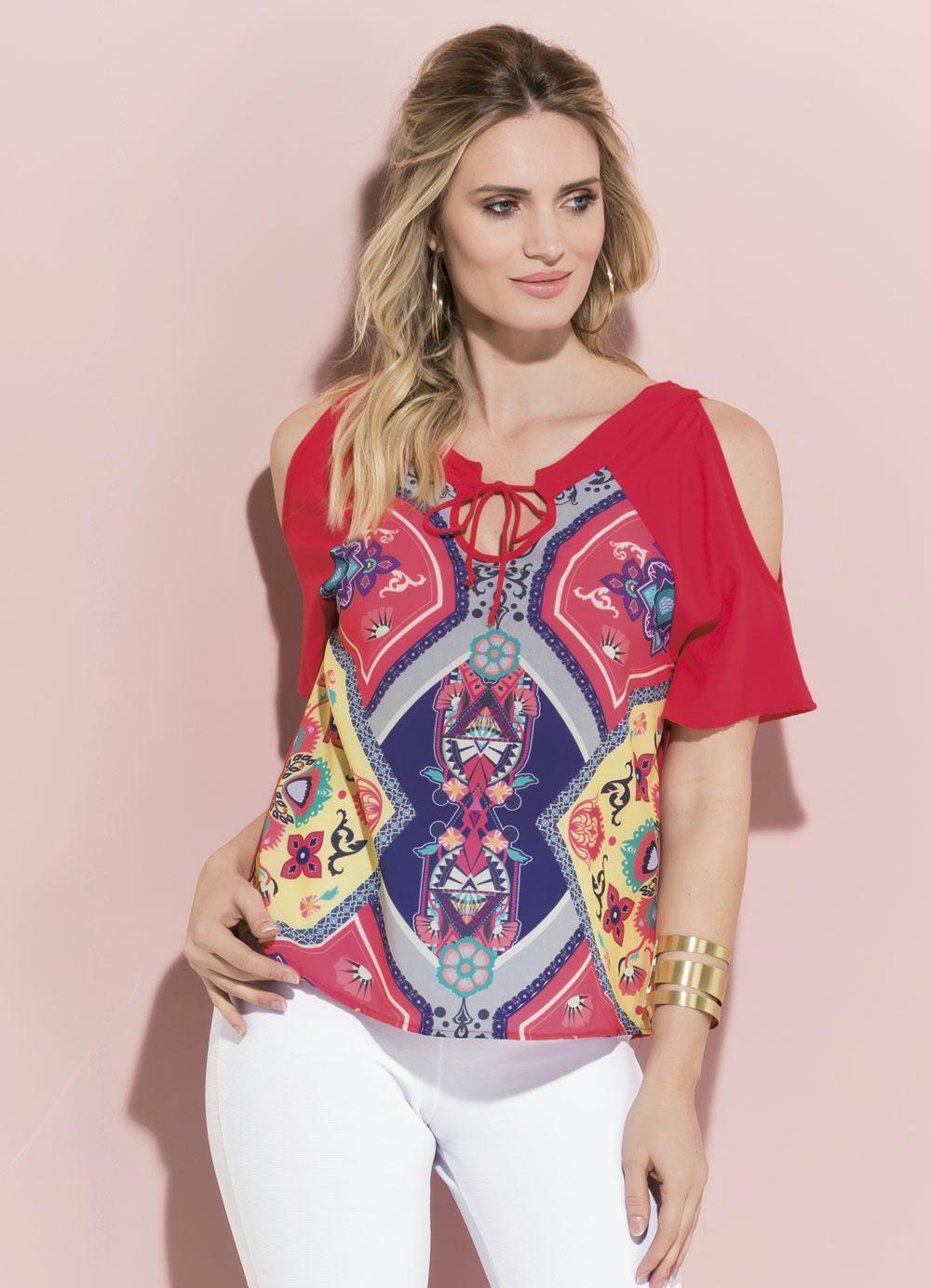 45bcc12d0 Blusa Vermelha Quintess com Vazado nos Ombros - Quintess