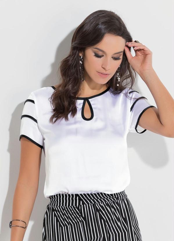 38a1a88a02 Blusa de Cetim Quintess Branca e Preta - Quintess