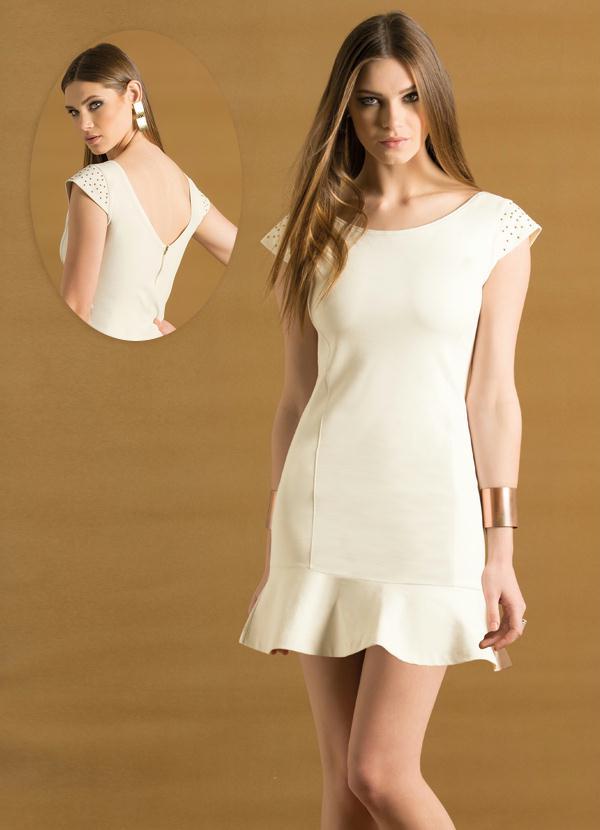Vestido de renda branco com decote nas costas