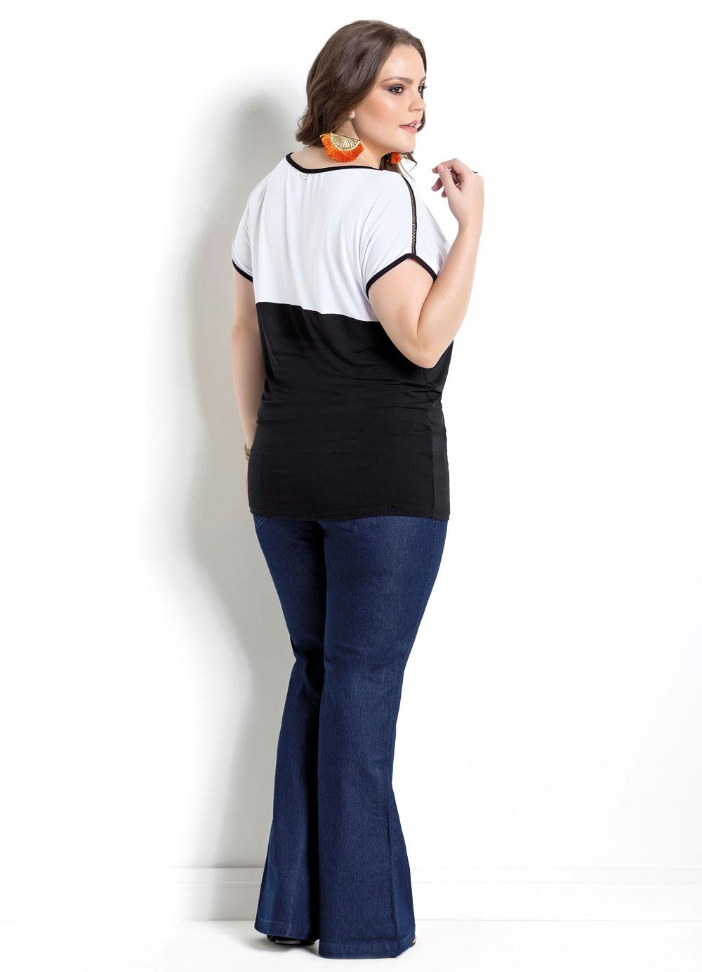 fee327c6f3 BLUSA BICOLOR PRETA E BRANCA QUINTESS PLUS SIZE - Quintess